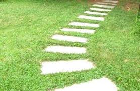 How to Lay a Stepping Stone Path Across a Garden Lawn | Dave's DIY .