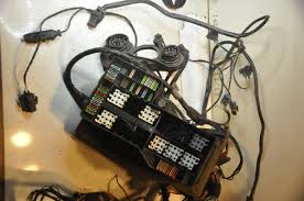 item description engine compartment wiring harness fuse box bmw oem 7152057 used engine compartment wiring harnes fuse box from 1997 e36 318ti as99979 fits e36 318i 318i 320i 325i 325i 328i m3