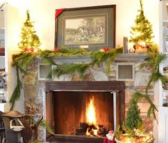 Ideas : Feasible Christmas Themed Fireplace Mantel Decorating ...