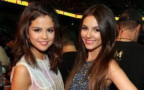 Victoria Justice Selena Gomez 图片高清晰度电视照片从Elayne   照片 ...