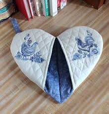 diy pot holders awesome free project instructions to create a heart shaped potholder of diy pot