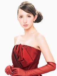 お色直しで着たい華やかで美しい真っ赤なカラードレスまとめ Marry