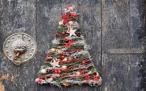 12 Unique But Simple Christmas Decorating Ideas