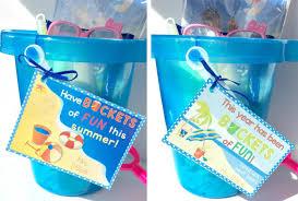1 buckets of fun grad favor