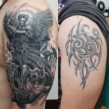 архангел Cover Up мужская тату на плече фото татуировок
