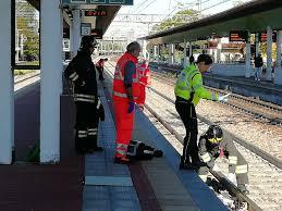 Garbagnate, morto in stazione sotto al Malpensa Express ...