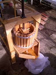 picture of apple cider press with grinder