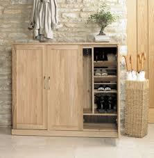 baumhaus mobel oak three door large shoe cabinet baumhaus mobel oak 2