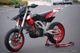 25 aprilia sxv supermoto aprilia sxv 55 supermoto reviews