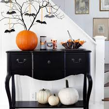 Modern-Halloween-decoration-ideas-black-and-white-hellowen-