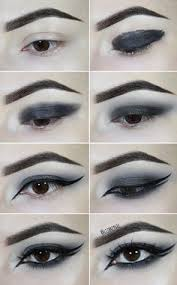 check this gothic smokey eye tutorial to get the powerful goth look on fashionpotluck