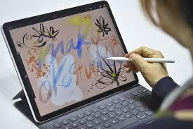 <b>Apple</b> показала инновационные <b>ноутбуки</b> MacBook Air и ...