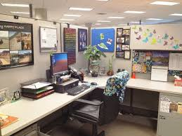 decorating your office cubicle. Brilliant Cubicle Exceptional How To Decorate Your Office Cubicle Decorated Cubicles  Ideas For With On Decorating C