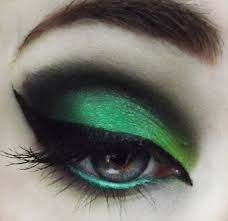 eyeshadow inspired by the wicked witch of the west wizard of oz style