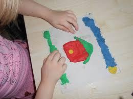 Влияние лепки на развитие мелкой моторики из опыта работы   способствует развитию мелкой моторики рук что в свою очередь развивает речь и мышление ребенка А самое важное дети чувствуют себя первооткрывателями