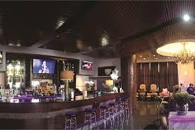 texas salon puts the bar in nail bar