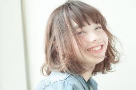 丸顔も気にしないボブヘアでたのしむヘアスタイル集 Arine アリネ