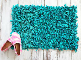 how to make a rag rug bathmat from upcycled t shirts