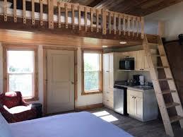 Stone Canyon Inn: Treehouse Interior