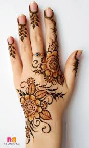 the most distinctive and exquisite designs in mehndi art are the ones that hail from middle