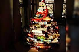 Comprar un regalo de navidad para alguien a veces no resulta muy fácil de hacer, ya que cada quien tiene gustos diferentes y eso lo complica un poco más.pero, ¿por qué tendrías que complicarte la vida con algo así, cuando puedes regalar un juego de mesa?. Los Mejores Juegos De Mesa Para Regalar Esta Navidad La Tercera