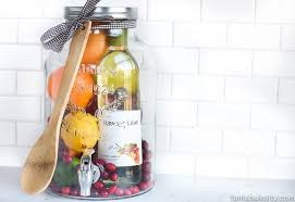 diy gift idea sangria for friends housewarming