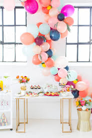 How to make a balloon arch (video!) & reader photos