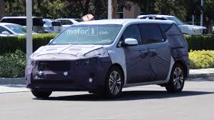 2018 kia minivan. exellent kia kia sedona facelift spied in 2018 kia minivan