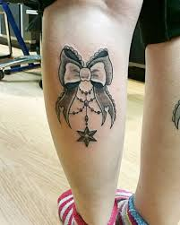 женские тату на ногах браслеты надписи узоры и их значение