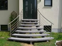 Og eines gepflegten mehrfamilienhauses, innen liegendes bad mit wanne aufteilung aktuell: Aussentreppen Aus Granit Oder Waschbeton