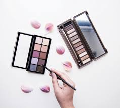 4 spring eyeshadow palettes you must have