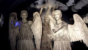 weeping angel tardis fandom powered by wikia weeping angels inside the byzantium tv flesh and stone