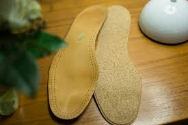 a nice thing with quality of shoes is that they have insoles of leather that allows the feet to breathe in a good way this feature can be drastically