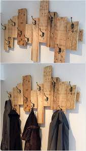 Do It Yourself Coat Rack Fantastic DIY Wooden Pallet Projects Pallet coat racks Wood 42