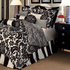 bedroom queen size black and white bedding set with classic black bedside table black