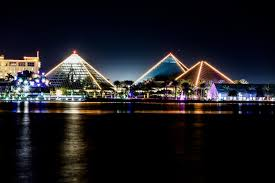 i went to shoot moody gardens because they had festival of lights i use the canon 6d with 70 200mm is l 2 8 mark 2 long exposer