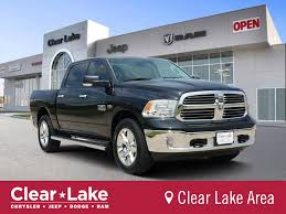 PRE-OWNED 2016 RAM 1500 LONE STAR WITH NAVIGATION & 4WD