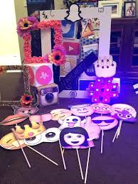 Parties ideas for teenage girls Party Decoration Birthday Party Ideas Teenage Girl Best Teen Themes On Outdoor Movie Props For Photo Booth Booths Pinterest Birthday Party Ideas Teenage Girl Best Teen Themes On Outdoor Movie