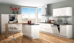 Küche Weiß Mit Schwarzer Arbeitsplatte Kuche Kunststoff Hochglanz