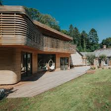 Grand Designs New Zealand Log House Steam Bent Timber Covers Tom And Danielle Raffields