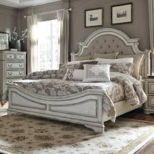 Liberty Furniture Magnolia Manor King Upholstered Bed Great
