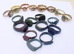 cleaned and uncleaned ancient jewellery