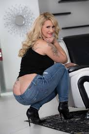 Pics of milfs in tight jeans