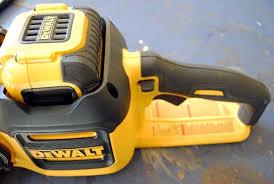 dewalt chainsaw. dewalt 40v max chainsaw controls dewalt (