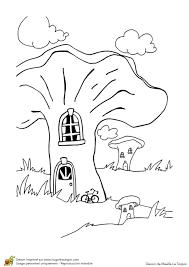 Coloriage Les Maisons Champignons Sur Hugolescargot Com
