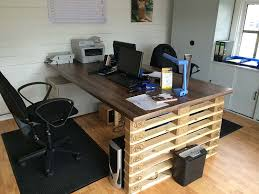 pallet furniture desk. now we have some ideas related to office furniture which going share with you these are pallet desk here picture about o