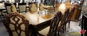 size dining room table