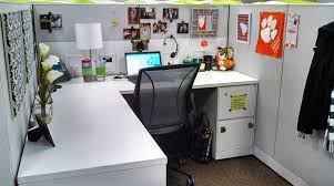 diy office design workstation - Google Search  Chic Cubicle DecorOffice ...