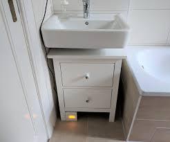 Ikea Hack Aus Einer Hemnes Kommode Wird Ein Badezimmerschränkchen