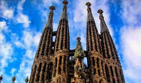 Gaudí once stated that it is made by the people and is mirrored in them. Sagrada Familia Barcelona Casa Batllo